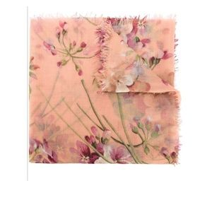 Gucci X-large Cashmere Wool Blooms Print Scarf